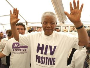 Mandela joins the campaign for HIV treatment in South Africa